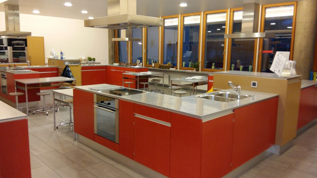 VegAnne_Kochkurse_Profikueche_Froeschmattschulhaus-Pratteln-Vegan-Kochevents